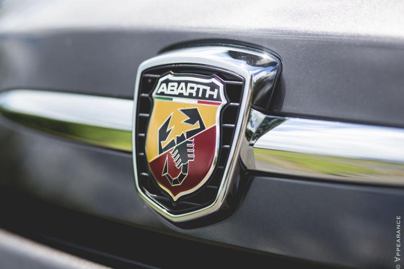 2016 Fiat 500 Abarth Logo