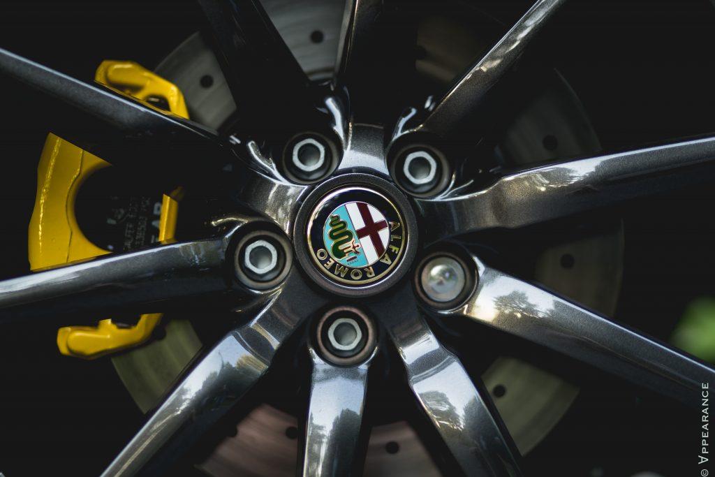 2016 Alfa Romeo 4C Spider Wheels
