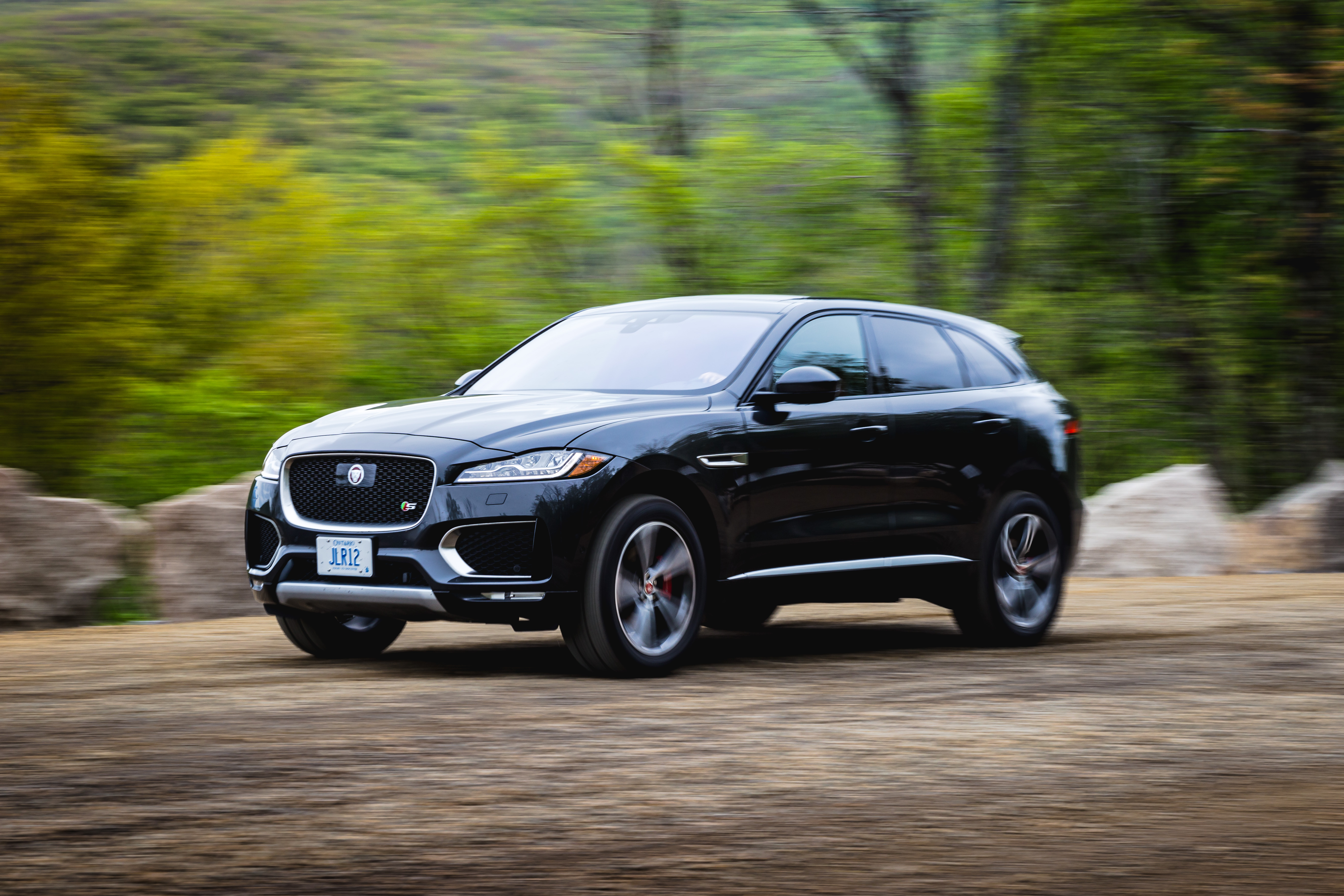 the 2017 jaguar f pace s is our crossover redemption. Black Bedroom Furniture Sets. Home Design Ideas