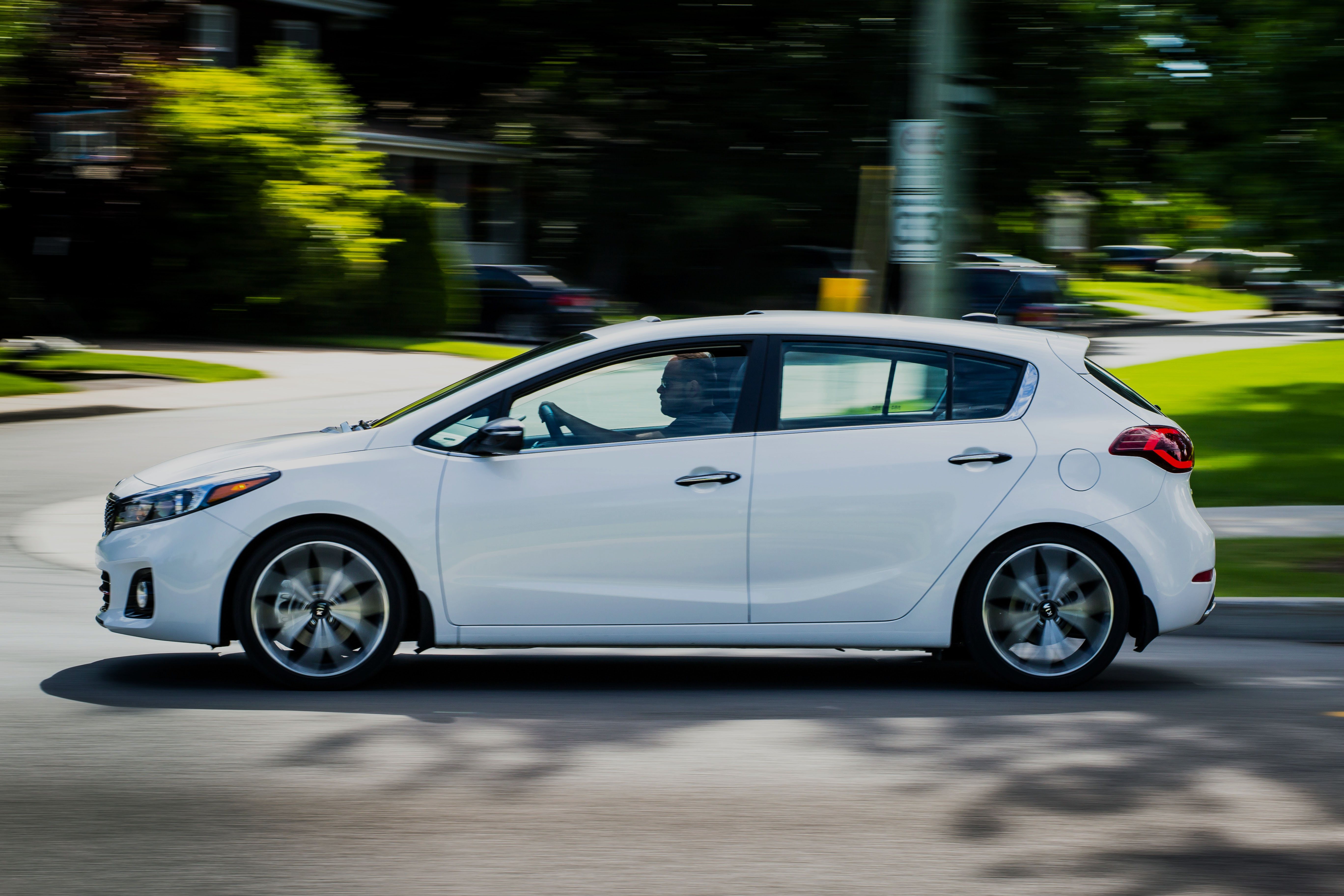 the 2017 kia forte5 sx is almost a real hot hatch. Black Bedroom Furniture Sets. Home Design Ideas