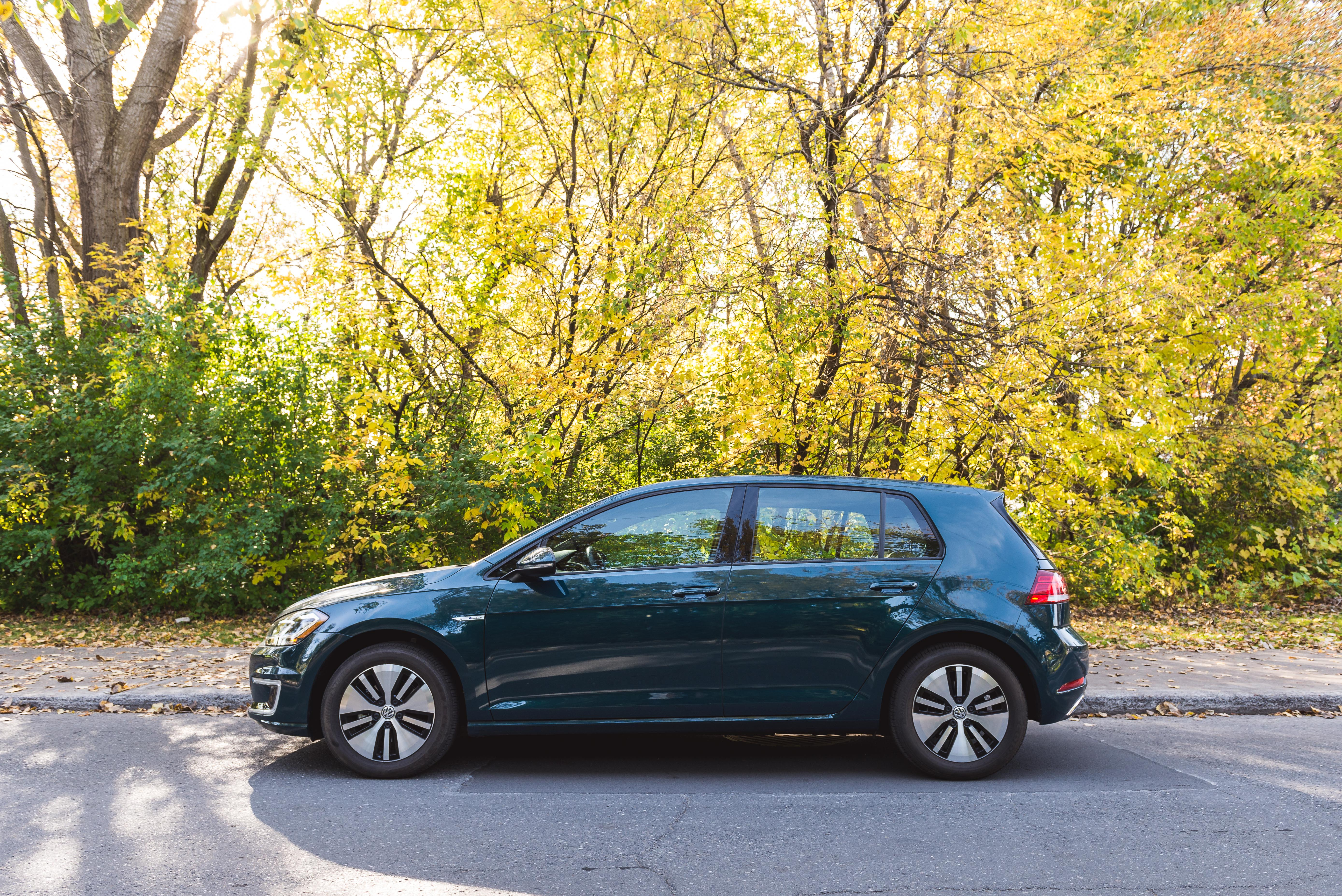 here 39 s why the 2018 volkswagen e golf is the best ev you can buy. Black Bedroom Furniture Sets. Home Design Ideas