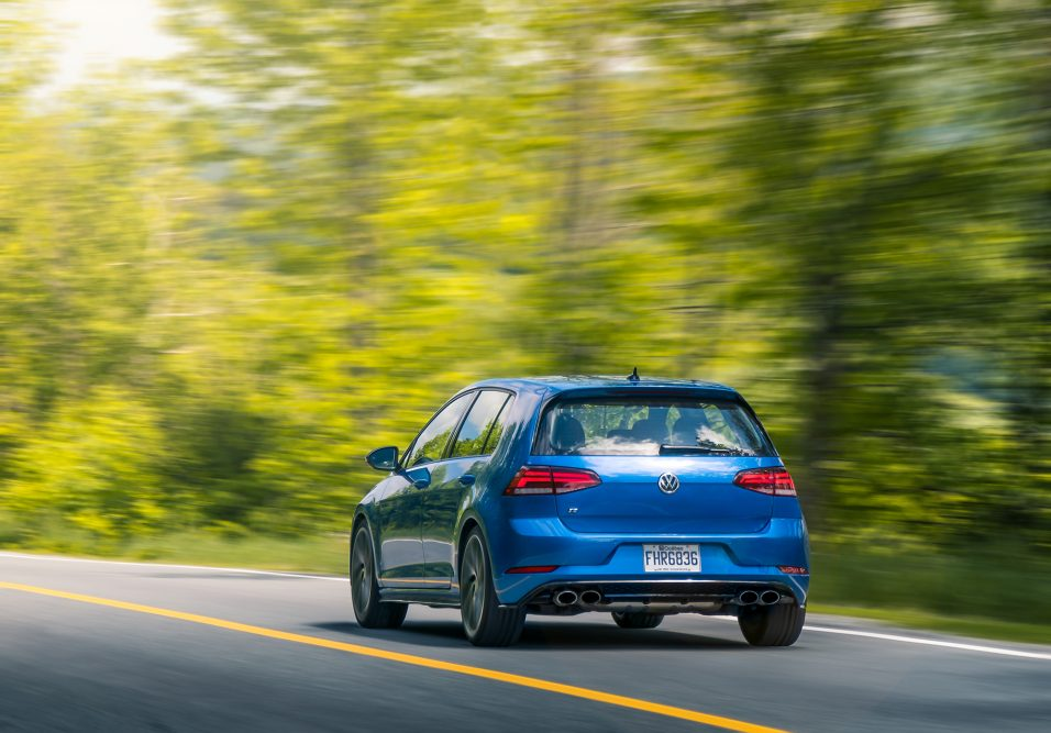 2019_volkswagen_golf_r