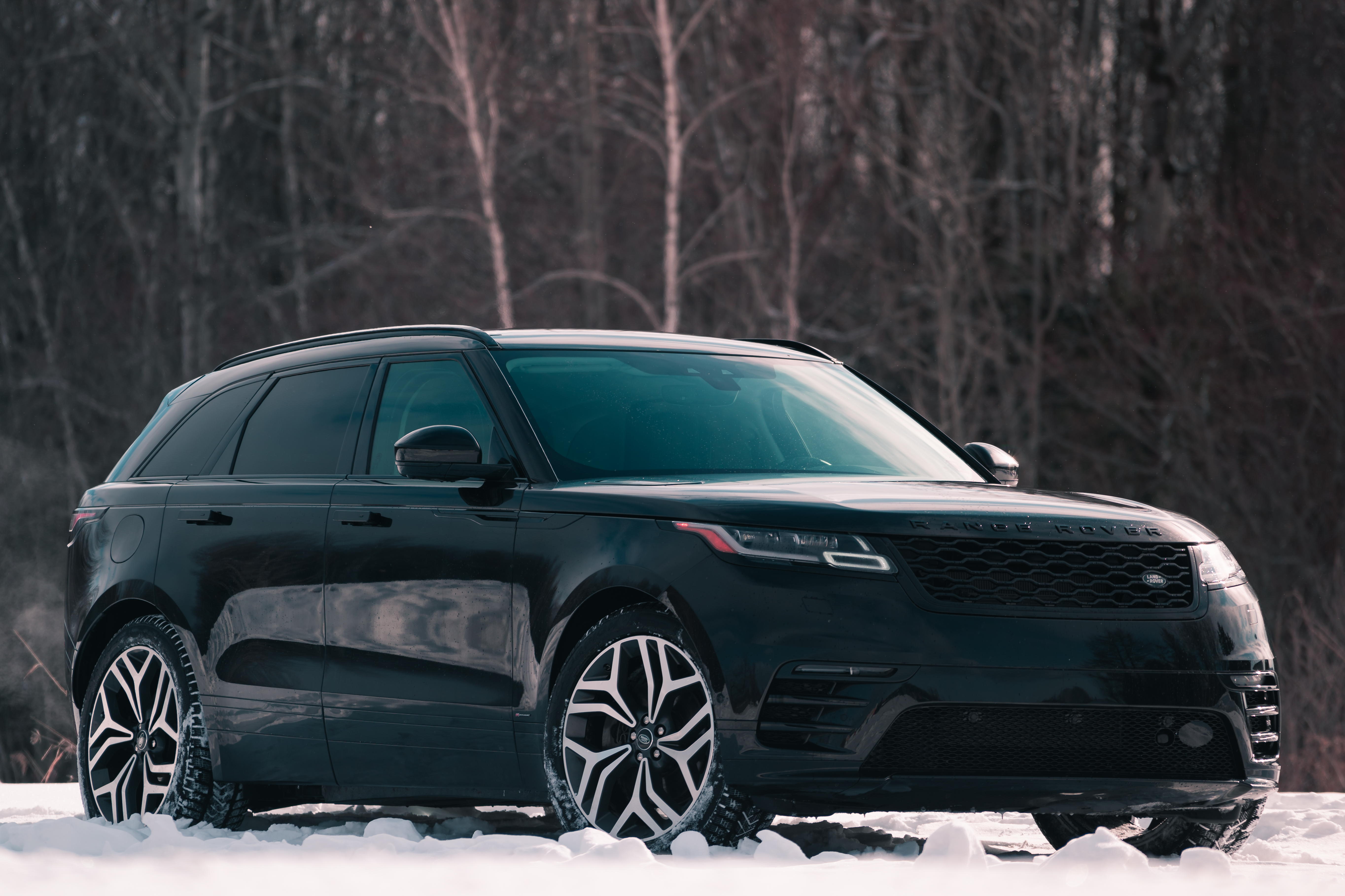 The 2019 Range Rover Velar Beats Its Rivals With Good Looks