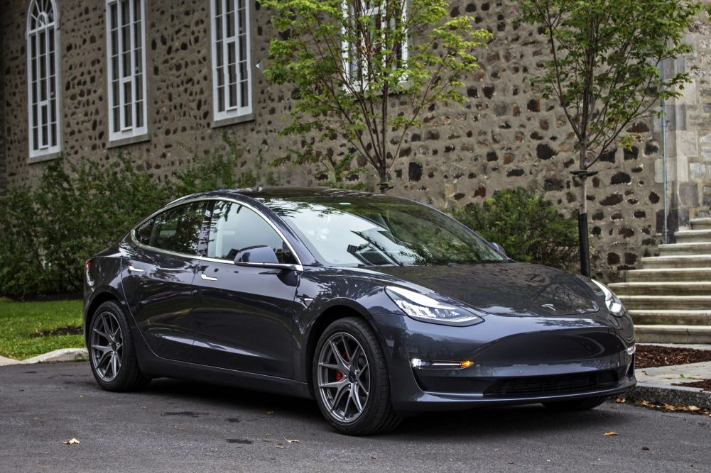2019_tesla_model_3_performance