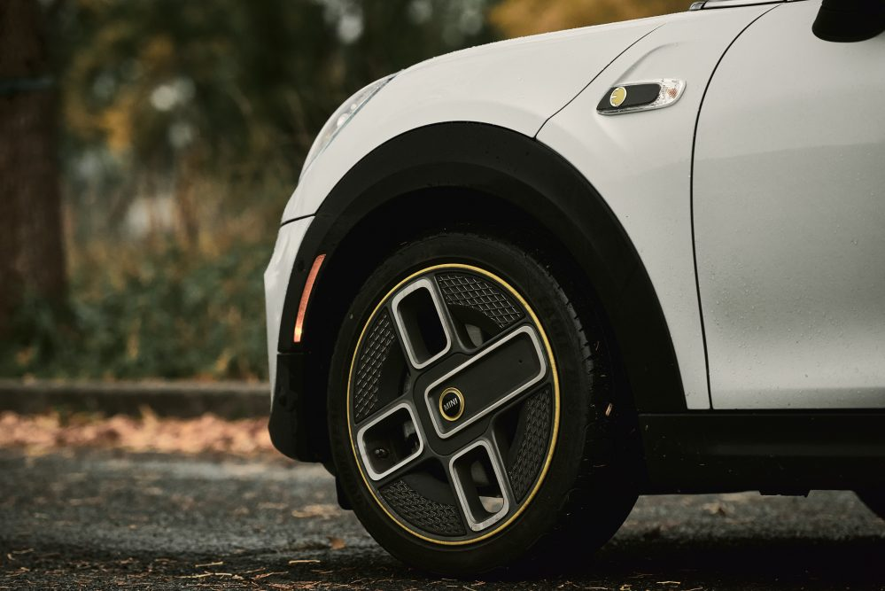 2020 MINI Cooper SE Wheels