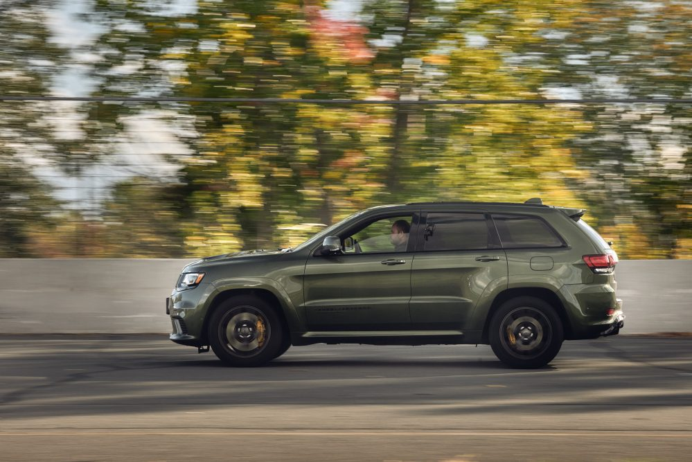 2021 jeep grand cherokee trackhawk driving side profile